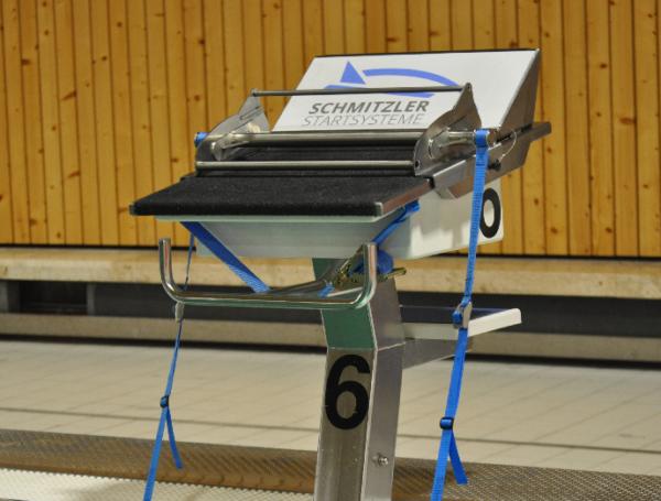 Schwimmtraining Rückenstarthilfe