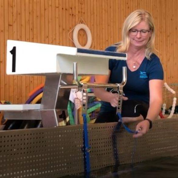 Schwimmsport: mobile Rückenstarthilfen und Startsprungsysteme